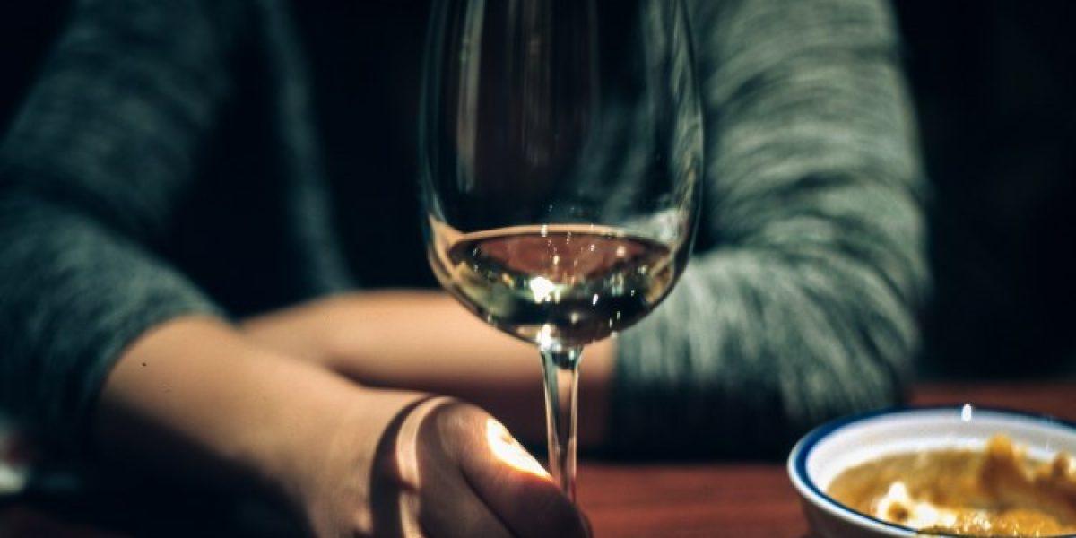 alcoolisme-alcoolique-verre-vin